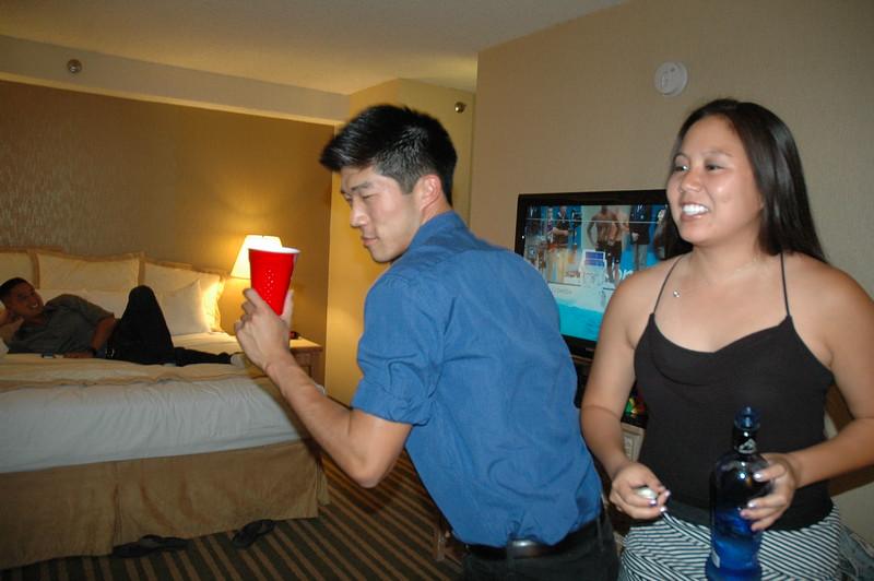 Hawaii - Friends Hotel Party-6.JPG