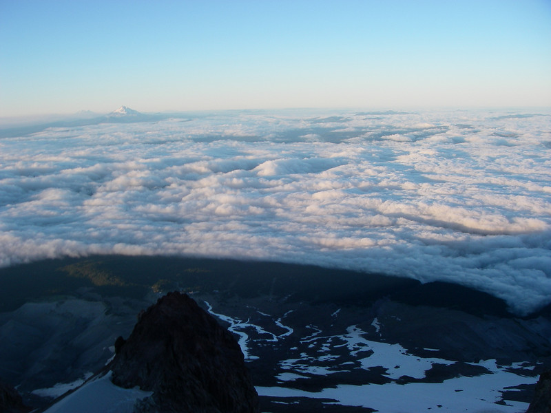 Its relatively low altitude (compared to Rainier and Shasta), easy approach, and short hiking/climbing distance makes it very popular