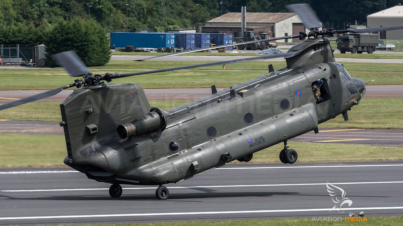 Royal Air Force / Boeing CH-47D Chinook / ZA714
