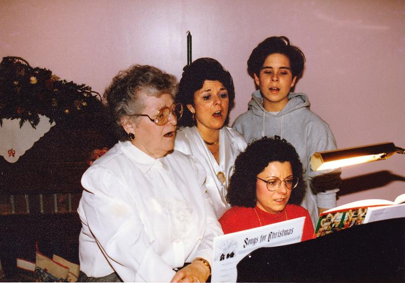 Caroler2 1994.jpg