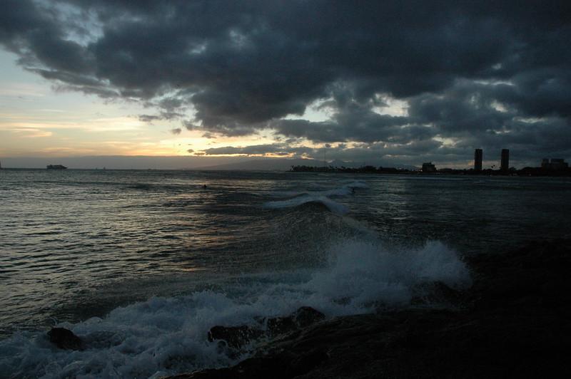Hawaii - Ala Moana Beach Sunset-109.JPG