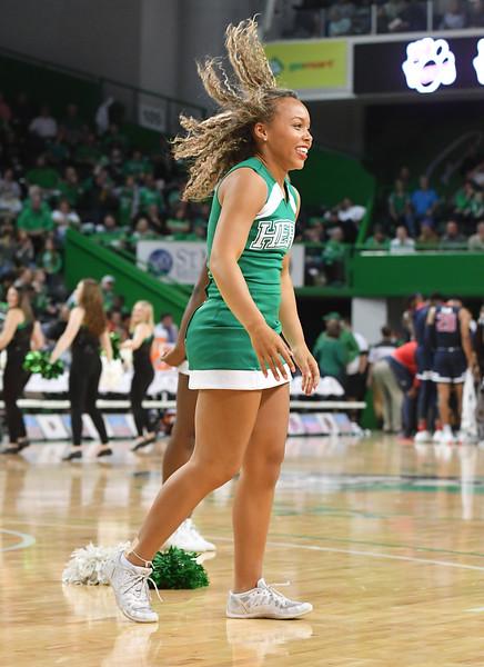 cheerleaders7500.jpg
