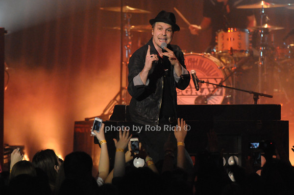 Gavin DeGraw performs at The Space at Westbury 4-3-14. all photos by Rob Rich © 2014 robwayne1@aol.com 516-676-3939