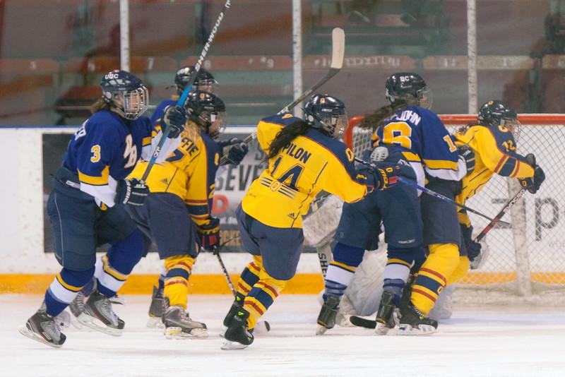 20130310 QWHockeyvsUBC 552.jpg