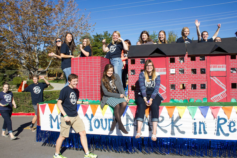 2015_10_10_Homecoming_Parade_7709.jpg