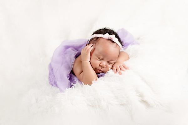 Ayvah | Newborn Session