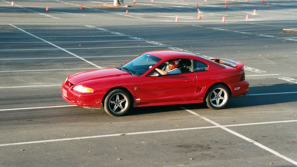 mustang-gt-on-launch.jpg
