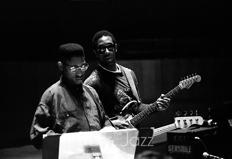 88/2011DARRYL JONES & HIRAM BULLOCK5 May 1988Royal Festival HallLondonGil Evans Memorial Concert©Derick A. Thomas/Dat's jazz Picture Library