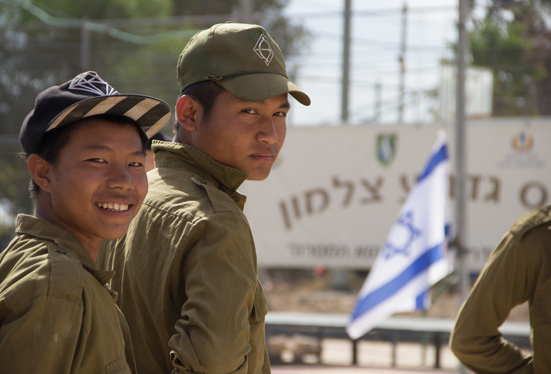 Bnei Menashe youth at Gadna - LBD2