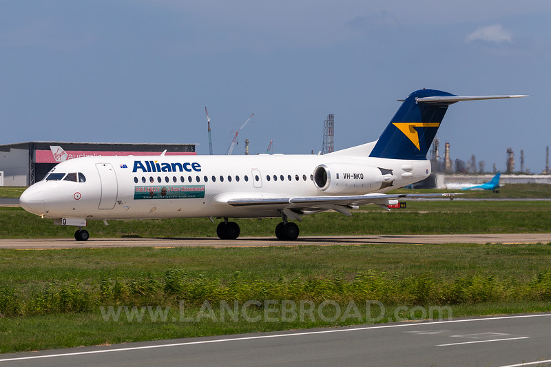 Alliance Fokker 70 - VH-NKQ - BNE