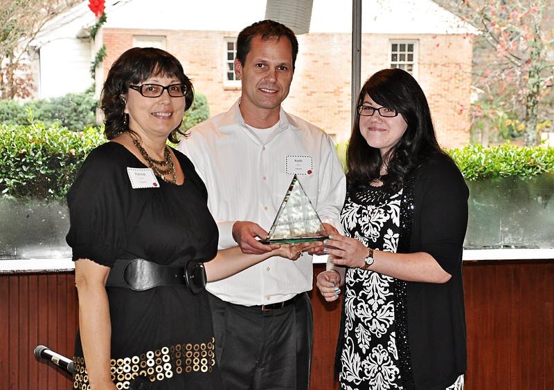 Patricia Guarino presents Keith Shelton & Sandra Forman the Library Champion Award.jpg