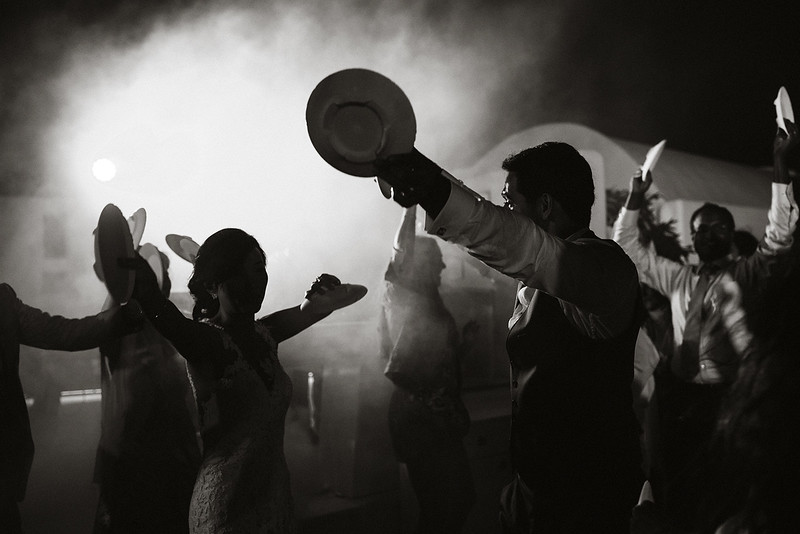 Tu-Nguyen-Destination-Wedding-Photographer-Santorini-Rocabella-Hotel-Euna-Ehsan-938.jpg