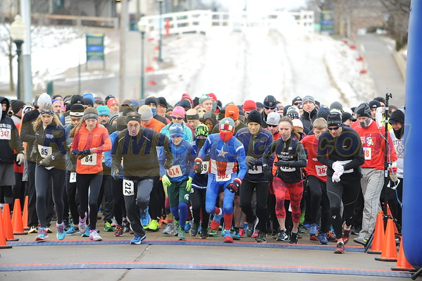 Start - 2016 Chill at the Mills 5K