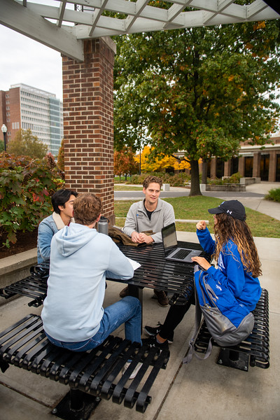 10_25_19_campus_fall (41 of 527).jpg