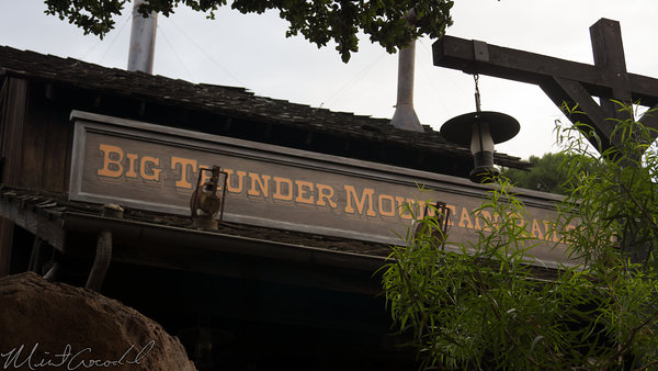 Disneyland Resort, Disneyland, Frontierland, Big Thunder Mountain Railroad, Big Thunder, Star Wars Land