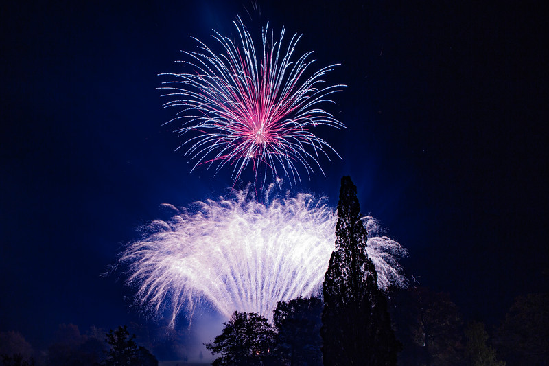 2018 - Dunorlan Park Fireworks 025_