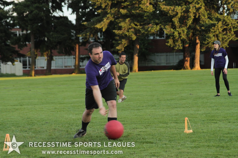 Recesstime_Portland_Kickball_20120605_1077.JPG