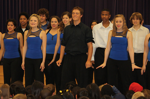 Summit Theatre Students Perform at Tipps
