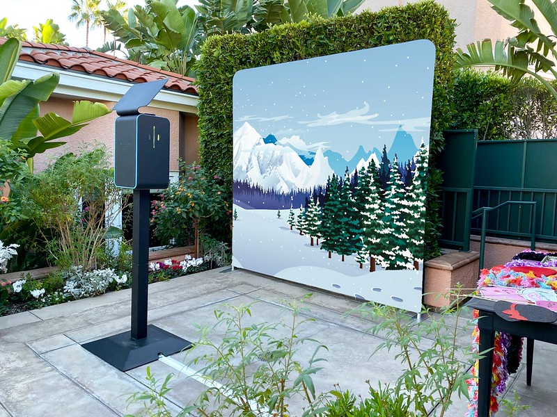 Beverly-Hills-Holiday-Photo-Booth-Backdrop.jpg