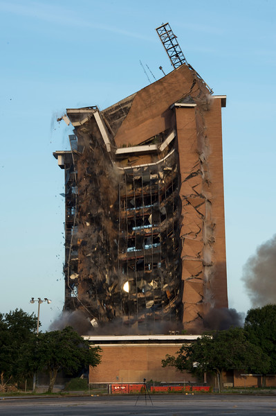 Skyscraper Bank Building Implosion_016.jpg