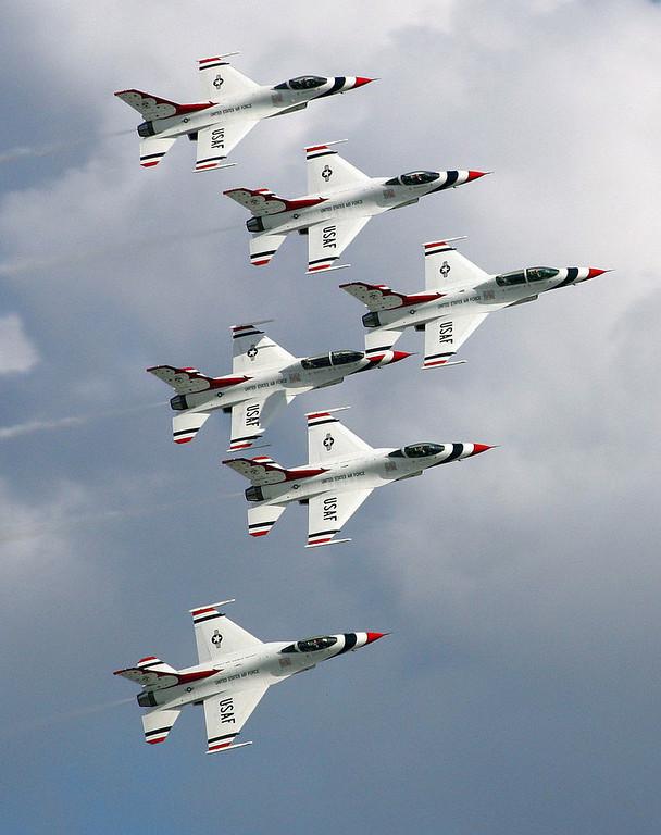 . The Air Force Thunderbirds perform prior to the start of the Daytona 500 at Daytona International Speedway in Daytona Beach, Fla., Sunday, Feb. 17, 2008. (AP Photo/David Graham)