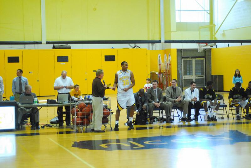 20090301_MCC Basketball_5743.JPG