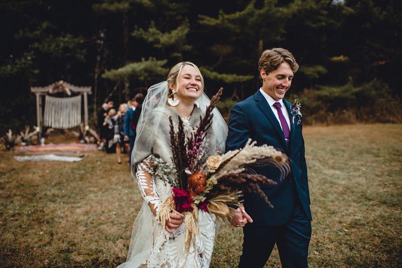 Requiem Images - Luxury Boho Winter Mountain Intimate Wedding - Seven Springs - Laurel Highlands - Blake Holly -1114.jpg