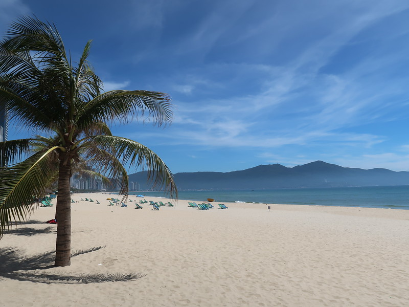 IMG_0550-danang-beach.JPG