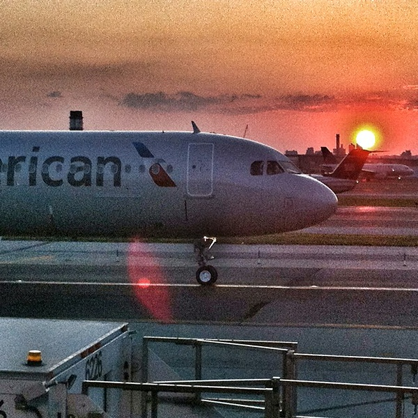 Breathtaking #manhattan #sunset tonite courtesy of @americanair