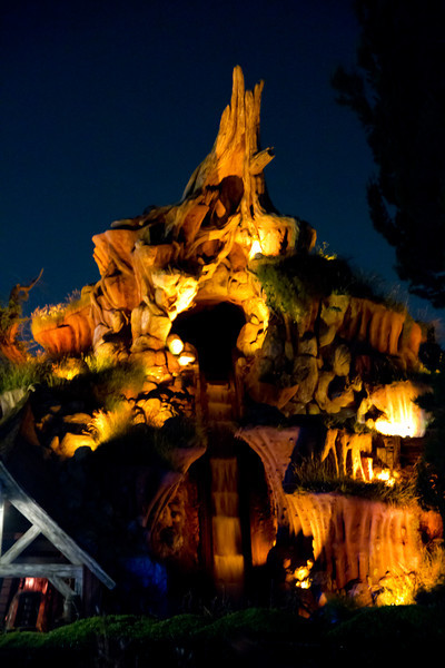 Splash Mountian At Night