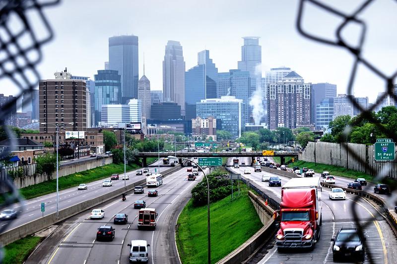 Minneapolis via 24th street bridge.jpg