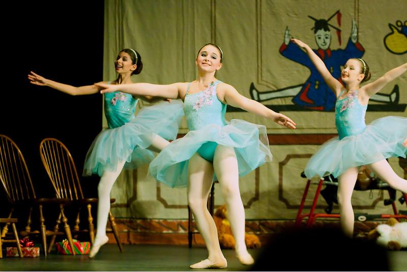 livie_dance_120912_028.jpg