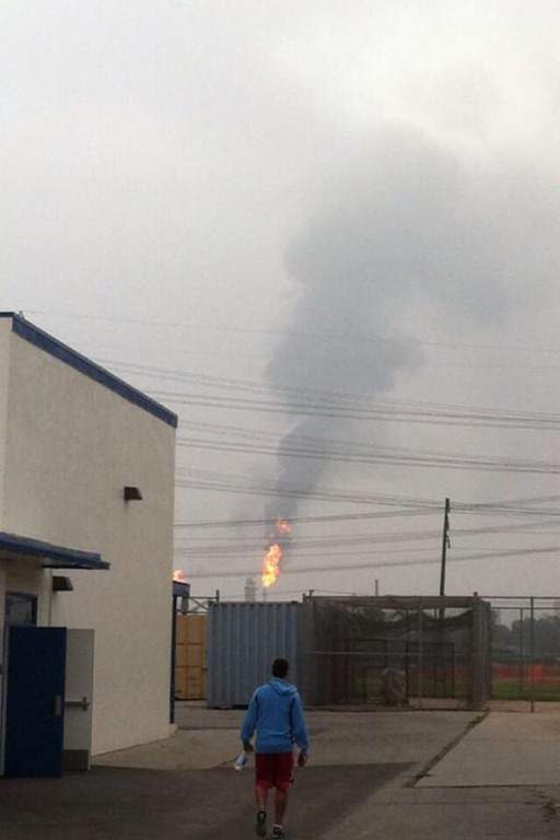 . An explosion and fire in a gasoline processing unit rocked the ExxonMobil refinery in Torrance, Feb. 18, 2015. (Photo by Davina Contreras for the Daily Breeze)