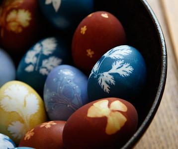 lesli's Natural dyed Easter Eggs spring 2017