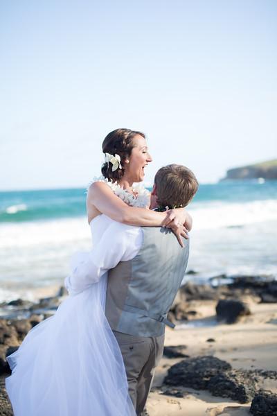 gillin beach kauai wedding-147.jpg