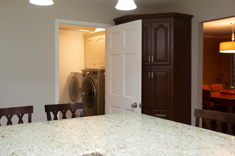 kitchen and laundry-2.jpg