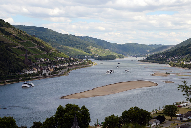 Rhine River Bacharach.jpg