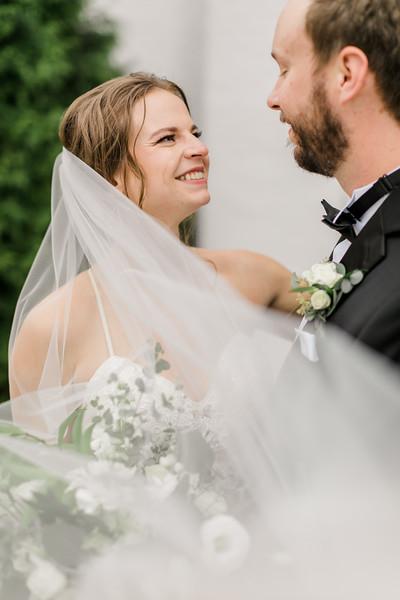 433_Ryan+Hannah_Wedding.jpg