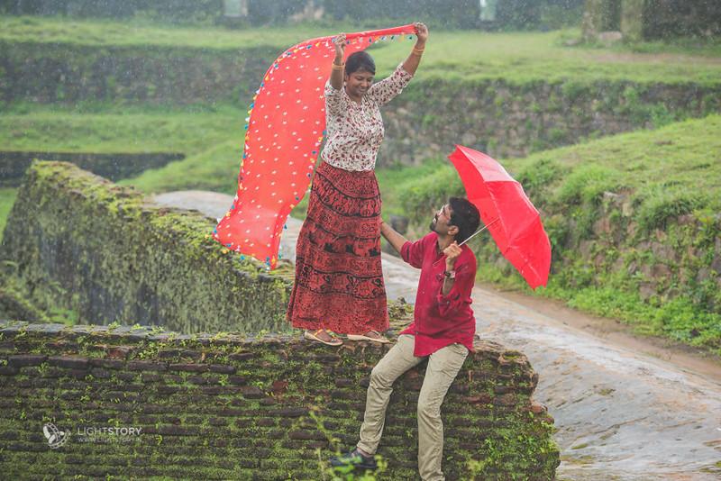 LightStory-CoupleShoot-Hassan-Bangalore-Hoysaleswara-Halebidu-Sunflowers-007.jpg
