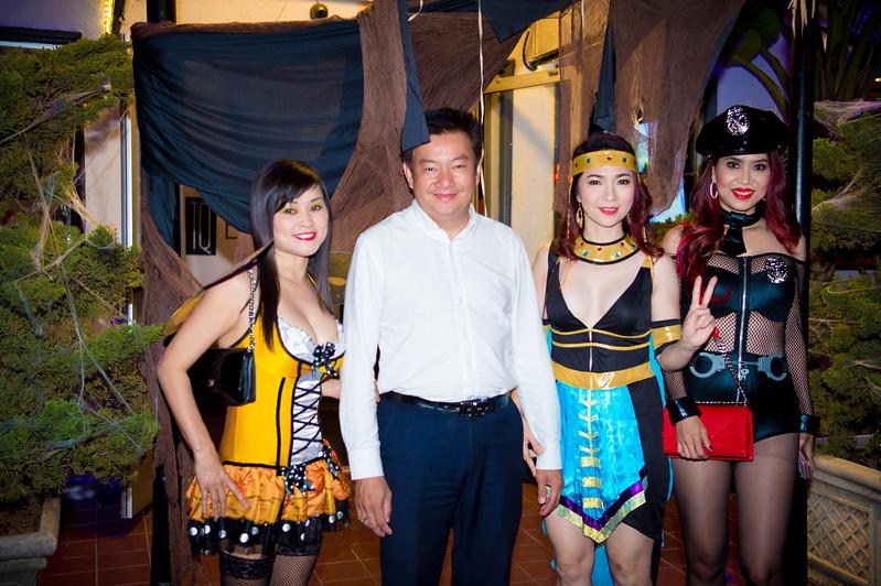 171027 TQ's Halloween Party 0096.JPG