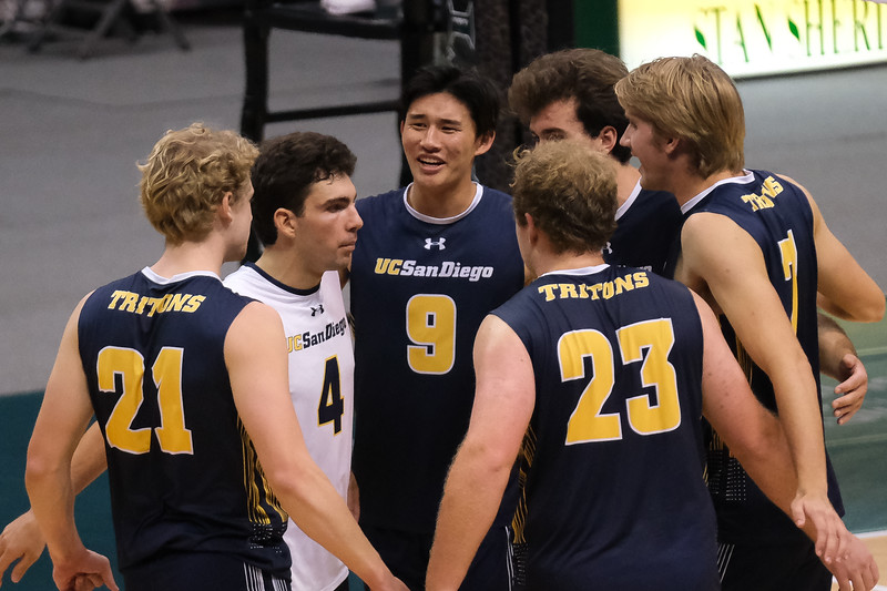 UCSD Upsets UH in Semis of Big West Tournament