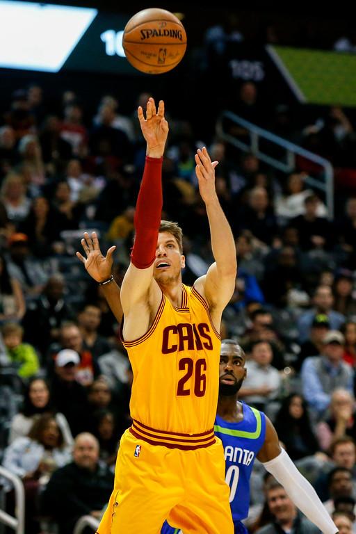 . Cleveland Cavaliers guard Kyle Korver (26) shoots against the Atlanta Hawks in the second half of an NBA basketball game, Friday, March 3, 2017, in Atlanta. The Cavaliers won 135-130. (AP Photo/Brett Davis)