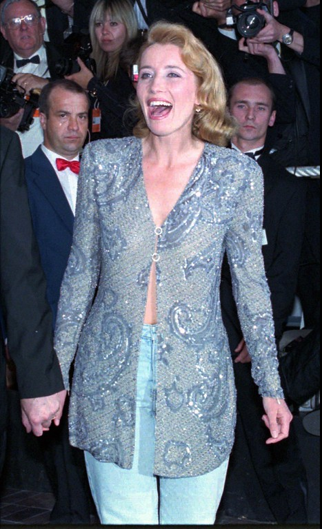 ". British film star Emma Thompson arrives  at the Festival Palace in Cannes, French Riviera on Sunday May 21, 1995, to attend the screening of British director Christopher Hampton\'s film ""Carrington\"" which is presented tonight to the jury of the 48th International Cannes Film festival.(AP PHOTO/Remy de la Mauviniere)"