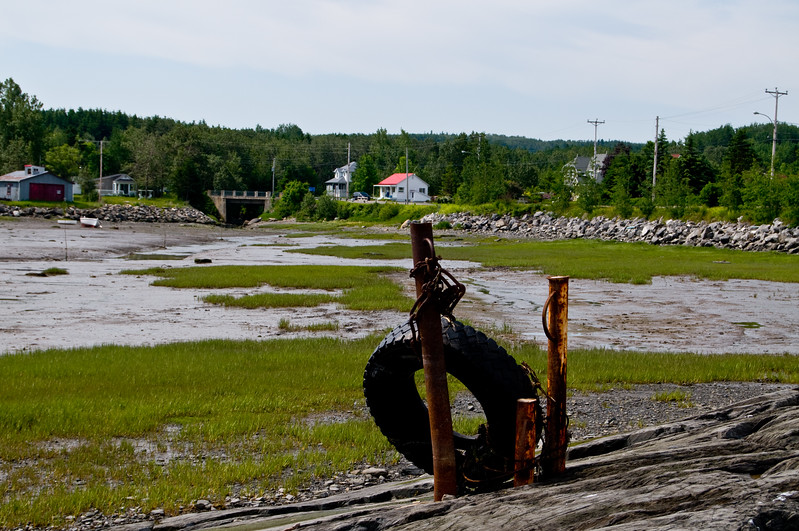 I guess this is used as some kind of mooring point during high tide