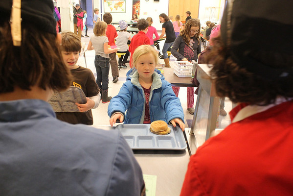 WES School Lunch, Students