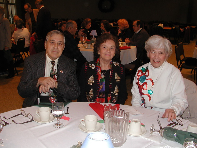 2002-12-12-Philoptochos-Senior-Citizens-Luncheon_023.jpg