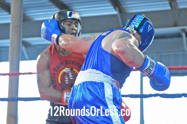 Bout #1  Bruce Moore (King's Gym) vs Brandon Wigginton (East Dayton Boxing Club)  200 Lb. Novice