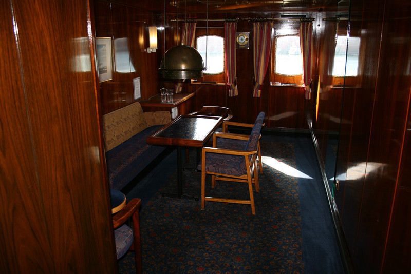 2009 - On board S/S KRISTINA REGINA : card room, deck 5.