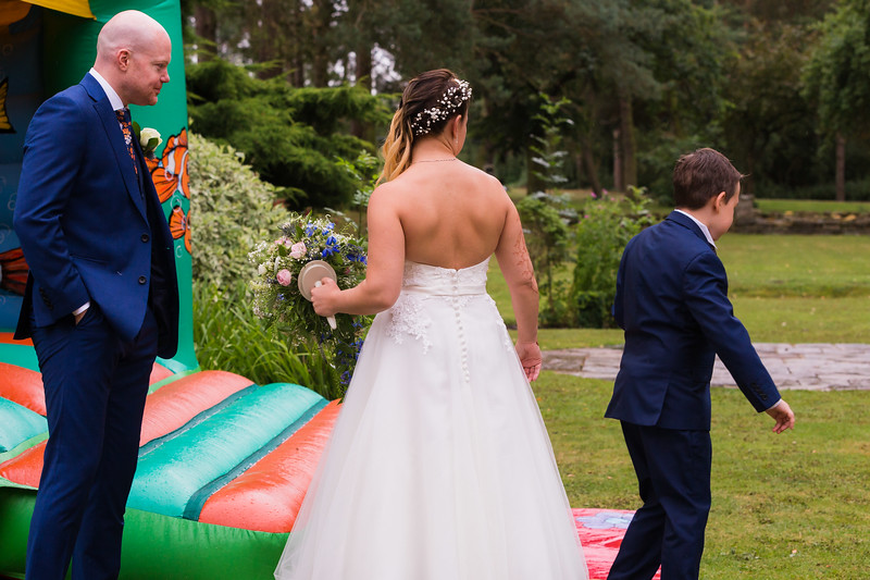 Sam_and_Louisa_wedding_great_hallingbury_manor_hotel_ben_savell_photography-0153.jpg