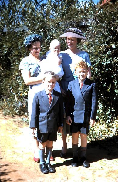 1960-4-10 (19) Lynette, Nancy, Louise (10 months), Peter & Tom.JPG